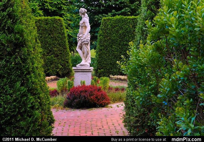 Garden statues toledo oh