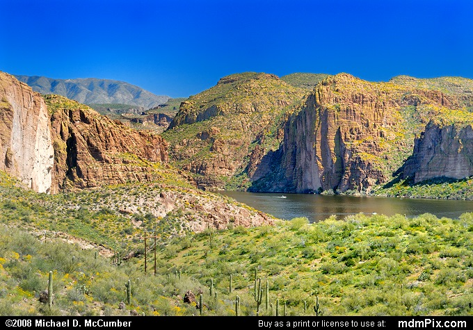 Canyon Lake (Canyon Lake Picture 034 - March 22, 2008 from Superstition Wilderness (Arizona))