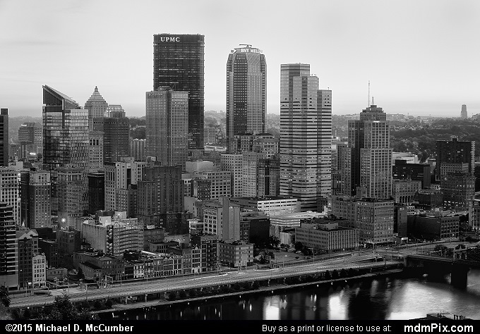 Pittsburgh Skyline (Pittsburgh Skyline Black and White Picture 003 - October 10, 2015 from Pittsburgh, Pennsylvania)