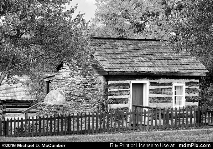 Log Cabin (Log Cabin Black and White Picture 052 - October 19, 2016 from Somerset, Pennsylvania)