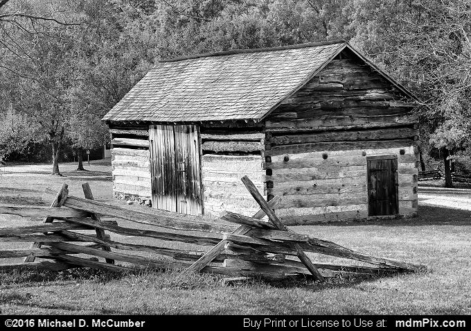 Log Cabin (Log Cabin Black and White Picture 066 - October 19, 2016 from Somerset, Pennsylvania)